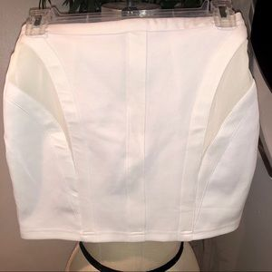 "🔥 TOBI White ""So It Seams"" Mini Skirt Sz S"